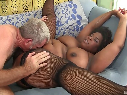 Fat ebony woman pussy fucked and jizzed on face