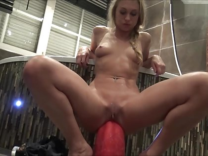 Inserting Goliath 3th attempt *** Girls4cock Com