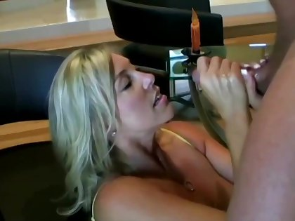 Lusty ash-blonde mom with regard to hefty boobies is inhaling lollipop while getting on all fours on the floor increased by getting screwed