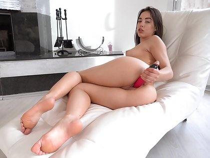 Stunning bright dark haired chick Anastasia Brokelyn has a pink toy for slit