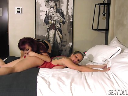 Chunky bottomed real lesbian Sexy Vanessa feels great hither cunnilingus