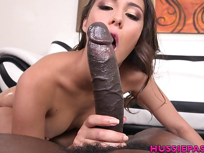 Bosomy XXX MILF Lilo Mai spreads legs with be fucked by coal-black deny stuff up